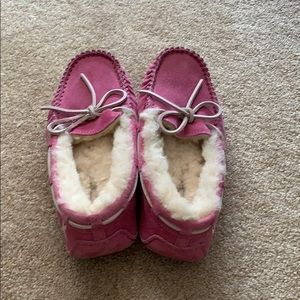 Like New UGG Special Breast Cancer Edition